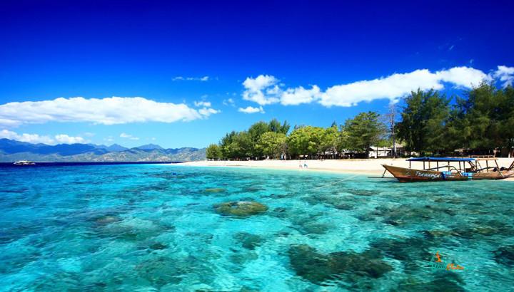 5 Most Beautiful Beach In Indonesia visitklaten.com